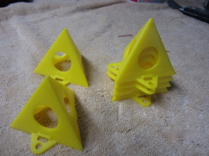 painting pyramid supports